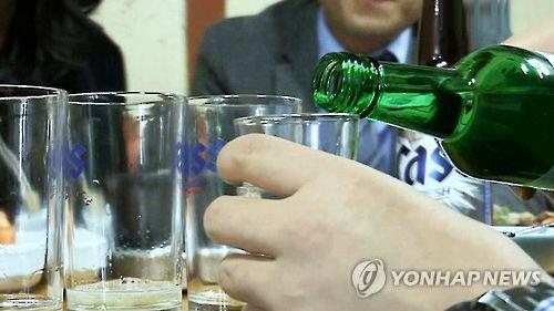 """""""중년 남성 3명 중 1명, 알코올 의존 고위험군"""""""